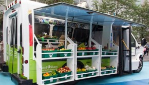 Converted bus serves food deserts in Toronto